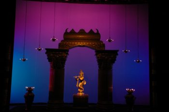 Interview with lights you can do miracles sai venkatesh for Arangetram decoration ideas